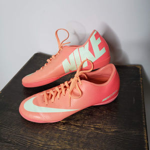 Nike Mercurial Victory IV IC Indoor Soccer Pink